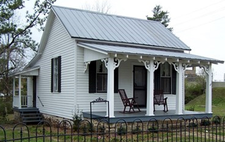 Weiss Cottage in Abbeville, Alabama